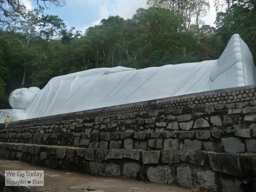 Tượng Phật Nằm Ngang