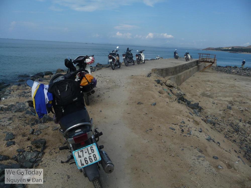 Dọc bờ biển Mũi Né