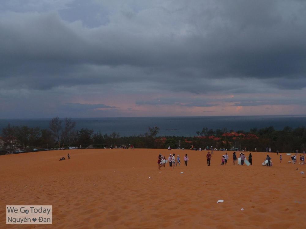 View ngắm mặt trời từ đồi cát