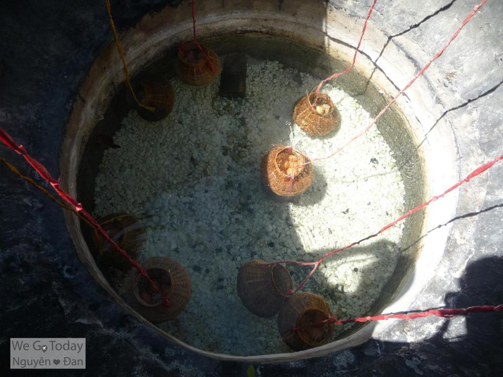 Hồ luộc trứng 82 độ. Giá trứng là 6,000đ/ trứng