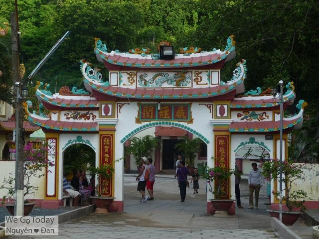 Cổng chùa Hải Sơn