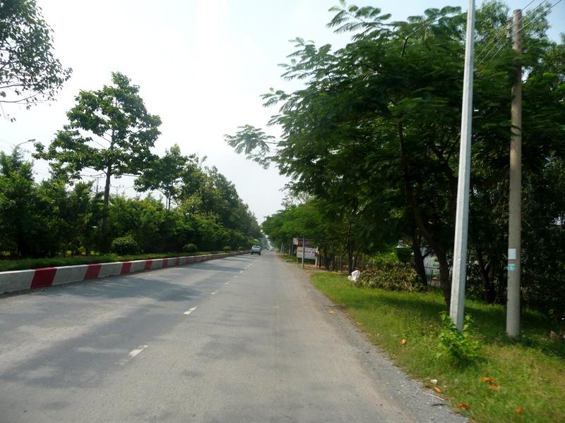 Đường Hoàng Sa, đi từ QL 51 vào Long Sơn