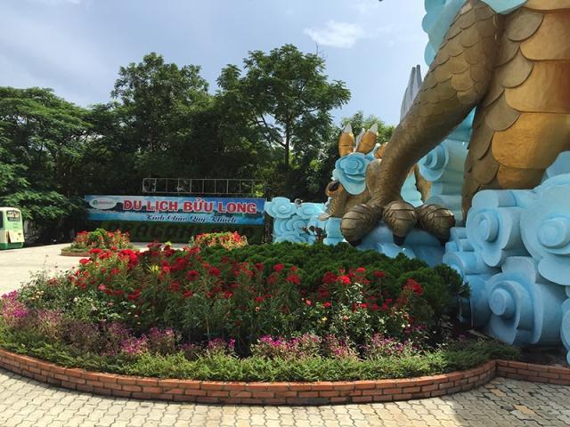 Cổng khu du lịch Bửu Long
