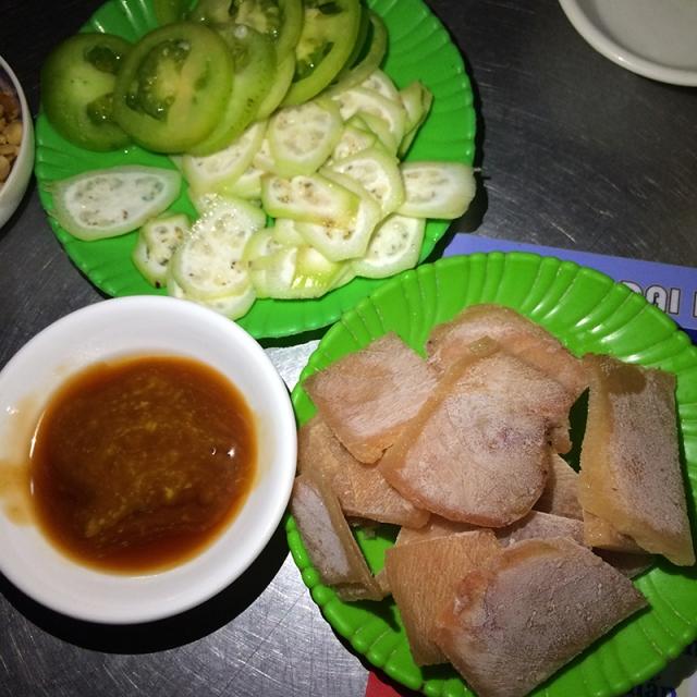Cá ngừ sống chấm mù tạt - Quán Bà Tám - 293C Lê Duẩn, Tuy Hòa, Phú Yên