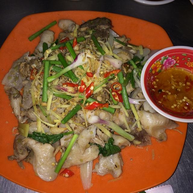 Lòng cá ngừ hấp - Quán Bà Tám - 293C Lê Duẩn, Tuy Hòa, Phú Yên