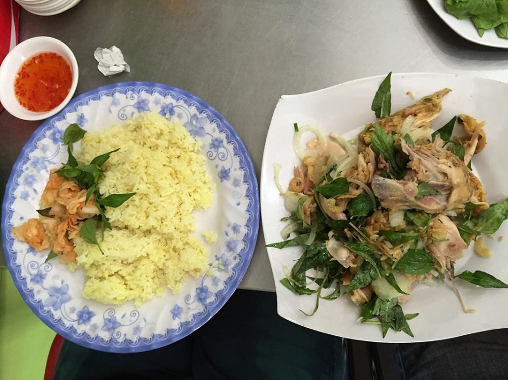 Cơm gà xé - Bảy Quán - 47 Mai Xuân Thưởng, Qui Nhơn
