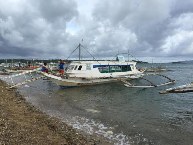 Tàu chở khách từ Caticlan ra đảo Boracay