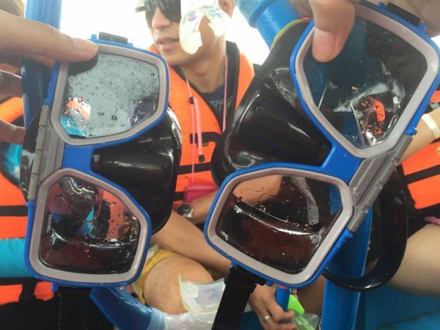 Bộ kính + ống thở để lặn ngắm san hô