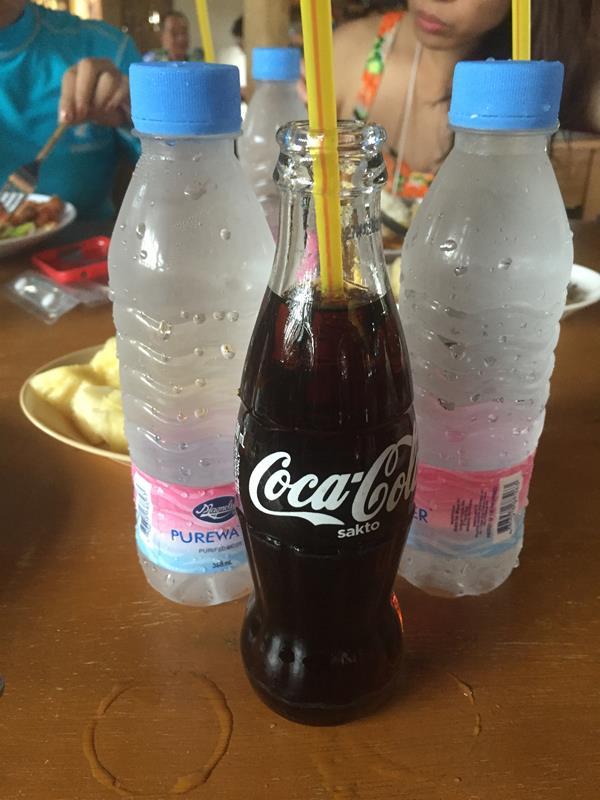 Nước ngọt và nước suối miễn phí