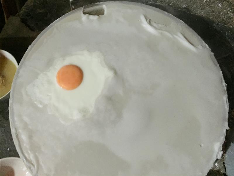 Bánh cuốn trứng