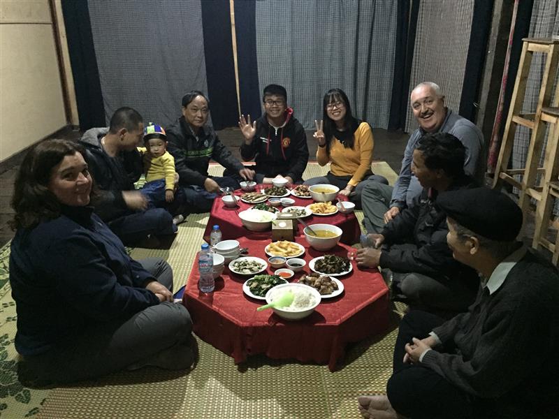 Bữa cơm chung với gia đình