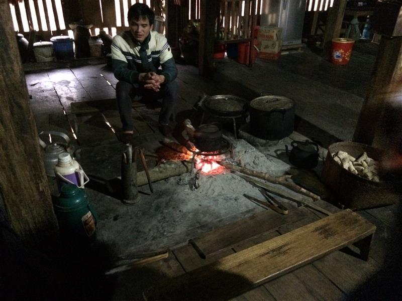 Bếp lửa trong nhà - Làng Văn Hóa Du Lịch Cộng Đồng Thôn THA