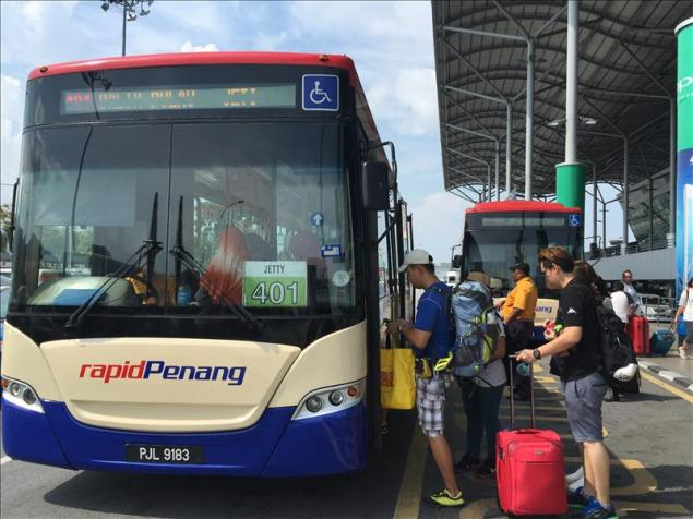 Tuyến bus 401 đi từ sân bay vào trung tâm George Town