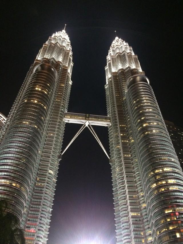 Tháp đôi Petronas Twin Towers