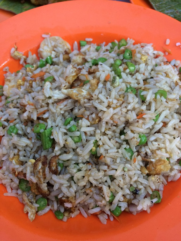 Cơm chiên tôm ở tiệm Restoran Lim Kee