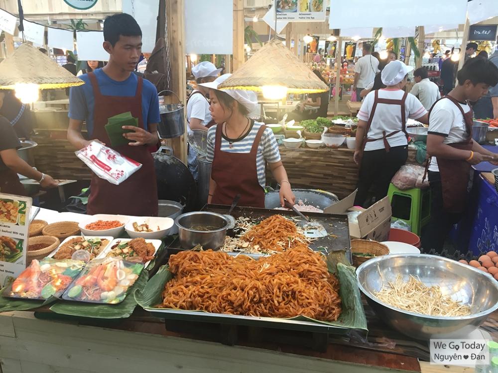 Đồ ăn Central World