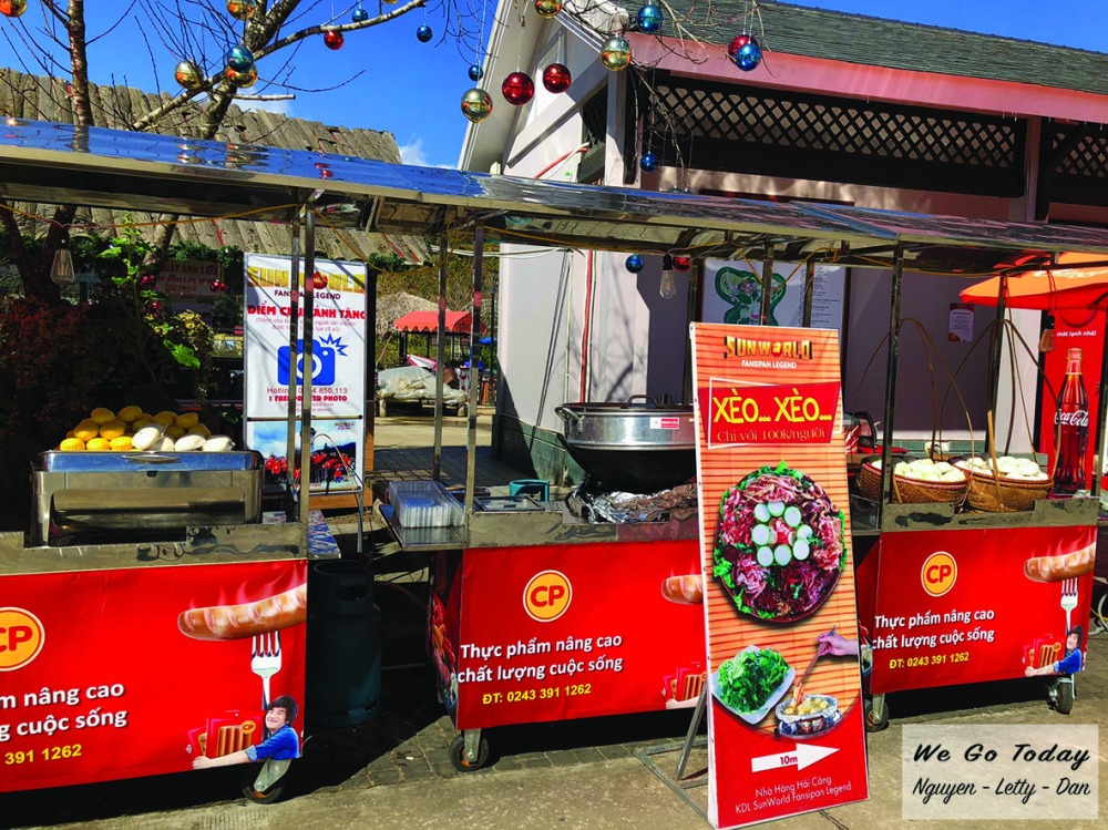 Quầy ăn uống ở trạm Hoàng Liên Sơn