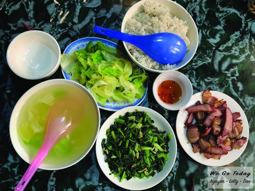 Bữa trưa ở homestay Chảo Quẩy Tá