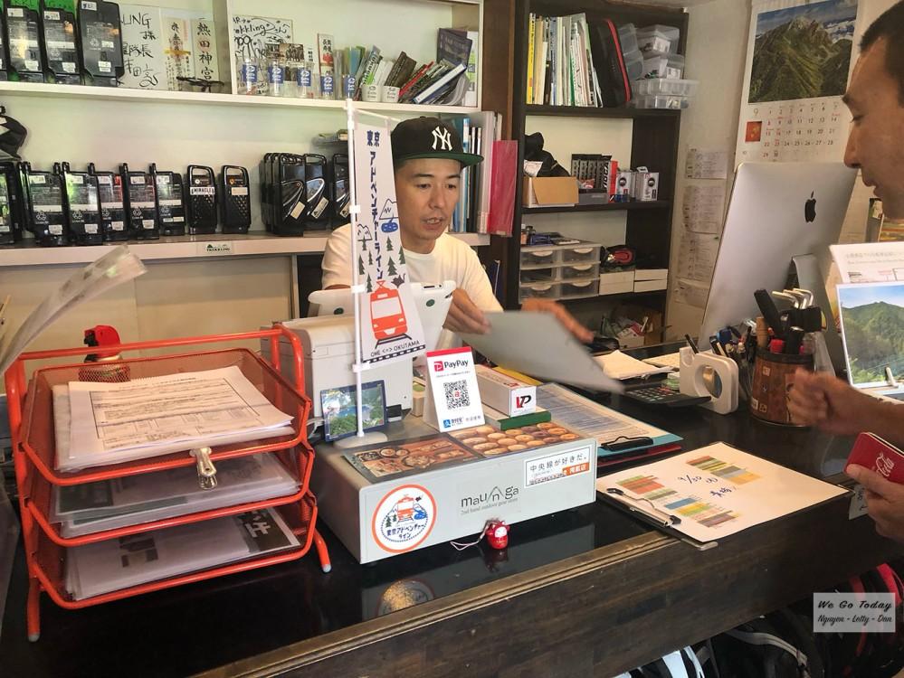 Tiệm Trekkling ở Okutama