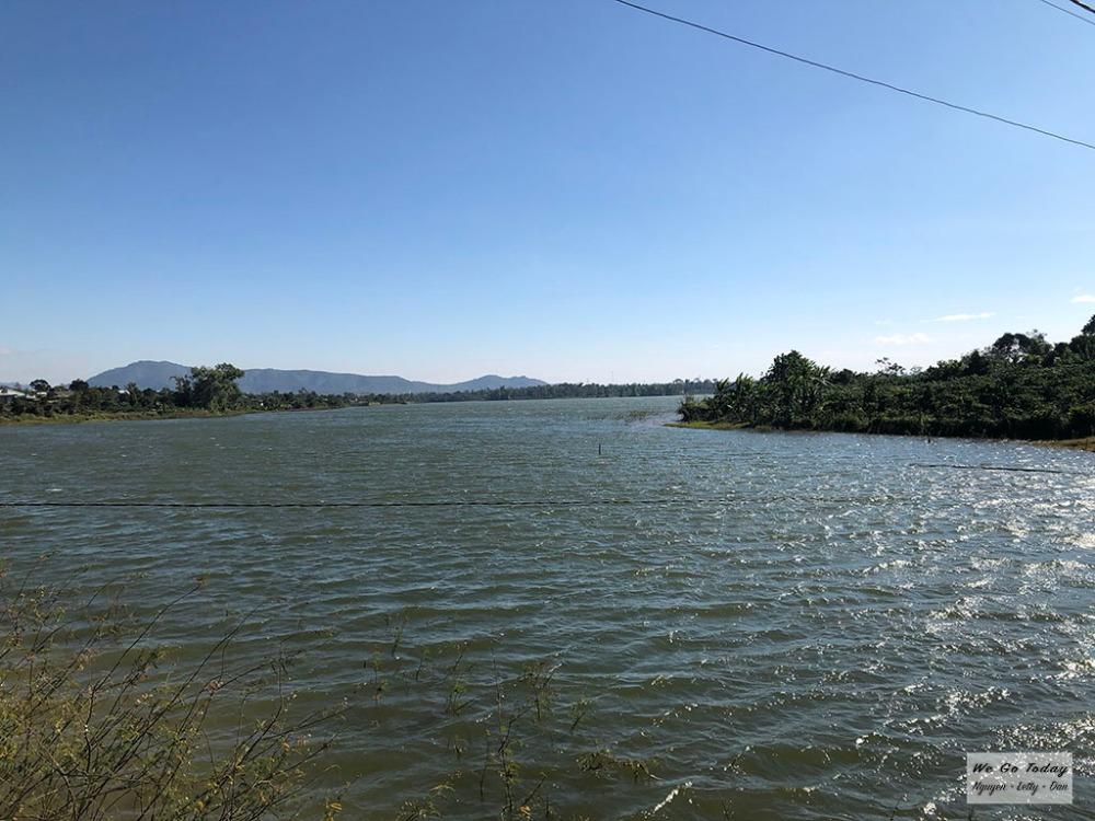 Đường đến Biển Hồ Chè