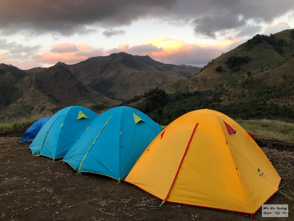Buổi sáng ở bãi cắm trại