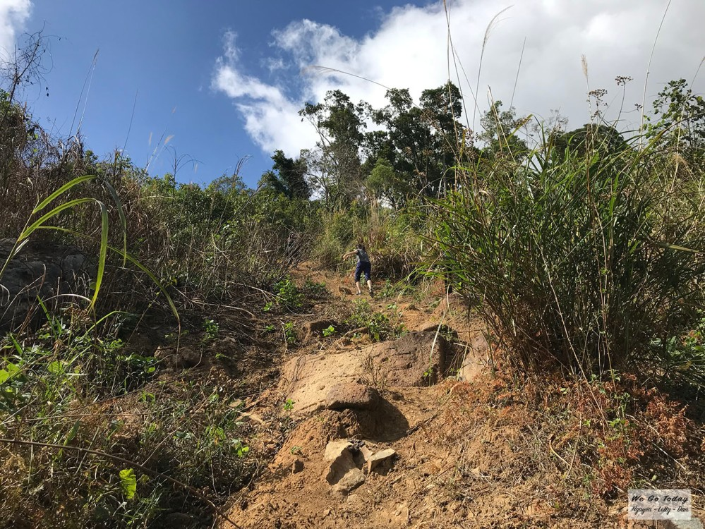 Đường đi ra thác