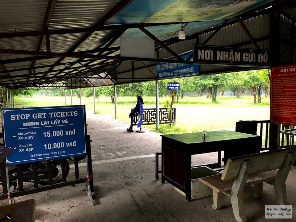 Bãi giữ xe Bến thuyền Tràng An