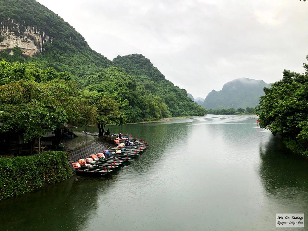 Bến thuyền Tràng An